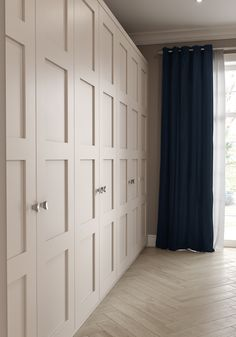 This contemporary interpretation of the timeless shaker style is perfect for those who prefer a bedroom that's suited to a modern lifestyle. Bedroom Built In Wardrobe, Bedroom Closet Design, Wardrobe Doors, Master Bedroom Design, Home Bedroom, Bedroom Cupboard Designs, Bedroom Cupboards, Wardrobe Storage, Fitted Bedrooms