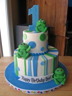 blue and green frog cake