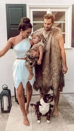 Matching Family Halloween Costumes, Couples Halloween, Best Couples Costumes, Couple Halloween Costumes For Adults, Family Costumes, Women Halloween, Matching Costumes, Group Costumes, Maternity Halloween