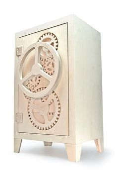 Playful and Provocative Wooden Safe Box Inspired by Clock Gears: mr.knox Weekend project for the CNC? Wooden Gear Clock, Wooden Gears, Cnc Woodworking, Woodworking Projects Plans, Cnc Router Plans, Woodworking Supplies, Router Projects, Wood Projects, Articles En Bois