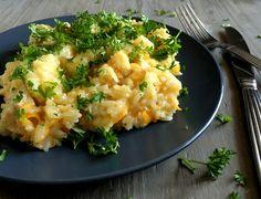 Den skønneste og nemmeste gryderet med kylling, ris og hvidvin - alt skal blot kommes i gryden og simre på komfuret i 15 minutter og så er der aftensmad.