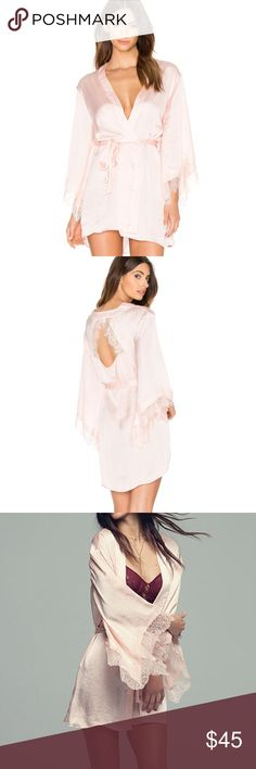 7b845d68b2c Band of gypsies lace blush robe bridal robe small This robe is absolutely  stunning! Worn
