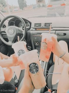 Go get Starbucks with friends and take loads of snaps. Bebidas Do Starbucks, Starbucks Drinks, Summer Aesthetic, Aesthetic Food, Orange Aesthetic, Aesthetic Colors, Photo Wall Collage, Picture Wall, Picture Ideas