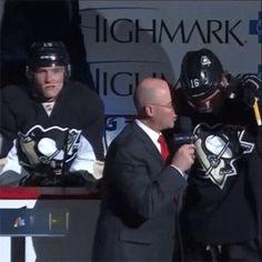 Photobombing, Penguins style.