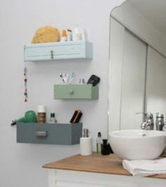 DIY bathroom shelves from old drawers Smart Tiles, Pinterest Inspiration, Diy Home Decor, Room Decor, Upcycled Home Decor, Decor Crafts, Diy Crafts, Diy Rangement, Old Drawers