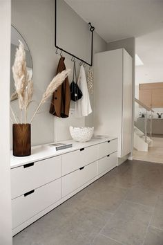 [New] The 10 Best Home Decor Ideas Today (with Pictures) - Gorgeous hallway storage and coat hook by designer Cheap Home Decor, Diy Home Decor, Hallway Ideas Entrance Narrow, Modern Hallway, Entryway Ideas, Fall Entryway, Entry Hallway, Modern Staircase, Decoration Entree