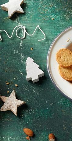 Die Vorweihnachtszeit ist wunderbar gemütlich! Zu Kaffee und Tee am Nachmittag passen Mandelplätzchen ganz hervorragend! Unser REWE Rezept ist zudem Low-Carb! »  https://www.rewe.de/rezepte/zitronige-low-carb-mandel-plaetzchen/