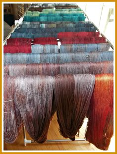 Julie's Little House: Hand dyed wool in amazing colours!
