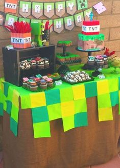 cake ideas for minecraft little kelly - Google Search Minecraft Birthday Cake, Minecraft Cake, Birthday Fun, Birthday Party Themes, Minecraft Ideas, Birthday Celebration, Birthday Ideas, Minecraft Invitations, Minecraft Party Decorations