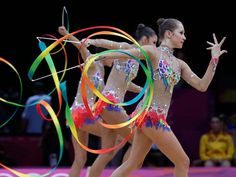 El arte de dominar la cinta puesta en práctica por Rusia dominante; tetracampeona en gimnasia rítmica....