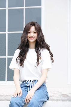 Weki Meki - Doyeon Kpop Fashion, Korean Fashion, Korean Girl, Asian Girl, Kim Chungha, Paper Toy, Cute Girl Face, Girl Crushes, Ulzzang Girl