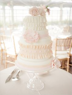 peachandpinkweddingcake