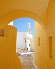 ☀️ Εμπορείο #emborio #santorini #cyclades #island #greece