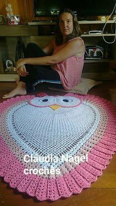 Simply Crochet : Crochet Bunny with Carrot Rug Free Pattern Crochet Doily Rug, Crochet Carpet, Crochet Quilt, Crochet Cushions, Crochet Bunny, Crochet Afghans, Owl Crochet Patterns, Crochet Designs, Simply Crochet