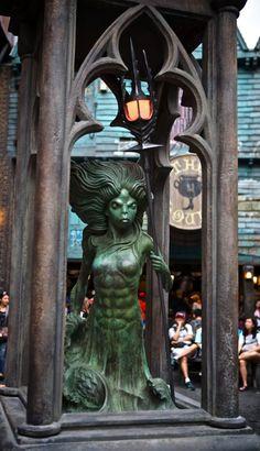 A Magical Look Inside Diagon Alley at Universal Studios, Orlando: http://www.davonnajuroe.com/magical-look-inside-diagon-alley-universal-studios-orlando/ #HarryPotter #DiagonAlley #UniversalStudios #Orlando #Mermaid #Fountain