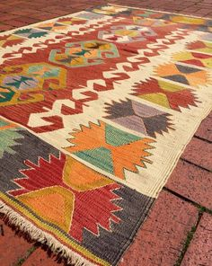 Kilim Vintage Konya Anatolia Turkish carpets woven to. Aztec Decor, Boho Decor, Bohemian Rug, Hand Tufted Rugs, Fabric Textures, Tapestry Weaving, Rugs On Carpet, Hall Carpet, Weaving