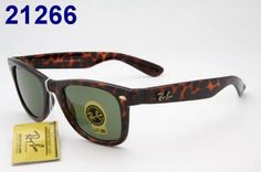 Ray Ban Wayfarer Sunglasses RB2207