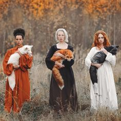 """Moscow-based photographer Anastasiya Dobrovolskaya captures the diverse color of foxes in her stunning image, """"Autumn Equinox."""" Moscow-based photographer Anastasiya Dobrovolskaya captures the diverse color of foxes in her stunning image, Autumn Equinox. Beauty And Fashion, Poses References, Mystique, One Image, Wicca, Character Inspiration, Beautiful People, Art Photography, Dreamy Photography"""