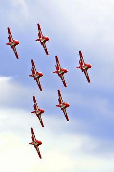 Canadair Tutor - Royal Canadian Air Force (RCAF), Canada - Snowbirds Demonstration Team Squadron), a. O Canada, Canada Travel, Military Jets, Military Aircraft, All About Canada, Red Arrow, Air Show, Air Force, Fighter Jets