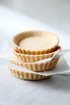 baked basis for little tarts Hotel Interiors, Food Photo, I Foods, Tarts, Pie, Baking, Food, Mince Pies, Torte