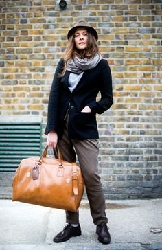 166nd street style photo Travel Chic, Travel Style, Travel Tips, Tan Bag, 67693cde1b