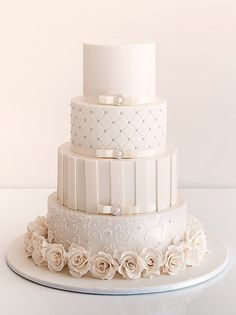 White Wedding Cakes - These gorgeous wedding cake pictures are sure to inspire your wedding cake design. From simple to elegant to chic wedding cakes, there is something for every taste - no pun intended. White Wedding Cakes, Elegant Wedding Cakes, Beautiful Wedding Cakes, Gorgeous Cakes, Wedding Cake Designs, Pretty Cakes, Amazing Cakes, White Weddings, Blush Weddings