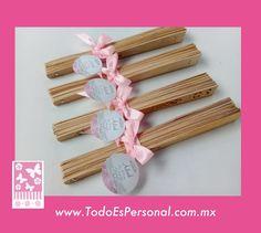 abanicos de madera para xv años rosa quinceañera detalles recuerdos economicos calor ideas originales jardin mesa