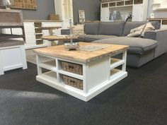 Landelijke witte vierkante salontafel, 95cm. Dining Bench, Dining Room, Tv Unit, Interior Design Living Room, The Hamptons, Farmhouse Style, Table, Bed, Decor Ideas