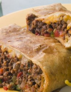 """Ww Skinny Chimichangas - This is out of my Weight Watchers cookbook called """"Take-Out Tonight!"""" This is an excellent low fat chimchangas recipe. by letitia Skinny Recipes, Ww Recipes, Mexican Food Recipes, Cooking Recipes, Healthy Recipes, Recipes Dinner, Dishes Recipes, Dinner Ideas, Gourmet"""