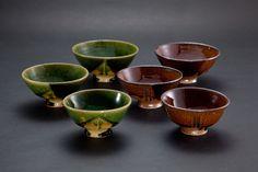 織部刻文飯碗(左3つ)Rice bowl with engraved, Oribe type 飴釉刻文飯碗(右3つ)Rice bowl with engraved, amber glaze 2012