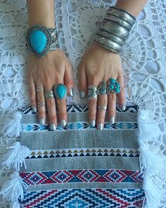 Gypsy & boho jewels  shooting  hand made crochet  @___gypsylove___ #hand#made#bags#ethinque#motifs#jewels#bracelets#rings#pierre#indian#gypsy#boho#hippie#style#i#love#this#so#cosy#cocooningtime#silvemood by mademoiselle_pochette