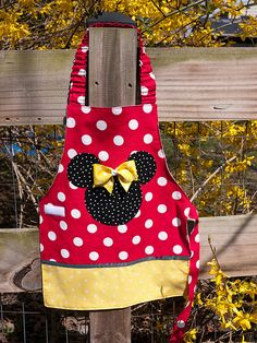 Minnie apron | It turns out that everyone loves Minnie! Moll… | Flickr