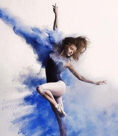 ~Today is Beautiful~ Dancer: Kate Byrne Photographer: Andy Bate - Dance Hip Hop, Dance Aesthetic, Rauch Fotografie, Tableaux Vivants, Dancer Photography, Beauty Photography, Outdoor Dance Photography, Poses References, Dance Movement