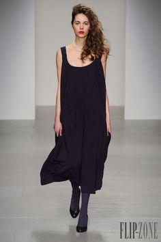 Vivianne Westwood - Ready-to-Wear - Red Label, F/W 2014-2015 - http://www.flip-zone.net/fashion/ready-to-wear/fashion-houses-42/vivianne-westwood-4553 - ©PixelFormula