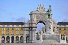 Wszystkie Strony Świata: Baixa - na dobry początek podróży do Lizbony.