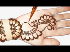 Easy mehndi designs for front hands - Easy beautiful mehndi - Simple Henna designs 2019 - Henna designs hand - Latest Simple Mehndi Designs, Mehandi Designs Easy, Mehndi Designs For Beginners, Mehndi Simple, Beautiful Henna Designs, Simple Arabic Designs, Mahendi Designs Simple, Simple Rangoli, Mehndi Designs Front Hand