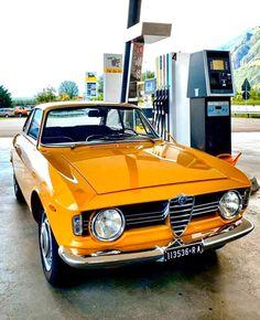 Diorama, Orange Interior, Alfa Romeo Giulia, Alfa Romeo Cars, Bmw I8, Car Photography, Car Manufacturers, Old Cars, Exotic Cars