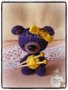 Knitted teddy