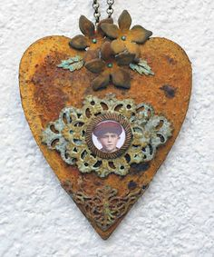 rusted heart  http://colorfuladventures.blogspot.com/