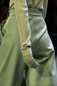 Sally LaPointe bei der New York Fashion Week im Herbst 2019 - Sally LaPointe at New York Fashion Week Fall 2019 Sally LaPointe bei der New York Fashion Week Herbst 2019 – Details Runway Fotos