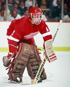 A History of Red Wings' Goalie Masks - - Detroit Red Wings - Photos Detroit Hockey, Detroit Sports, Detroit Tigers, Hockey Goalie, Hockey Games, Ice Hockey, Detroit Red Wings, Nhl, Boston Pictures