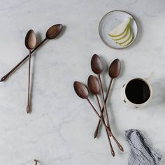 Joseph Huebscher sur Instagram : Got a short write-up in August's Food & Wine, The Artisan Issue, featuring these stirring spoons in a photo by @local_milk. Many thanks to @foodandwine and @suzie_myers for including me. #foodandwine