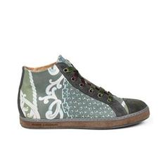 """Soisire Soiebleu DAISY LOME' 38 Sneaker in pelle stampata con immagini tratte dall'arte barocca, tele antiche e fantasie foulard. Laccetti in raso. MADE IN ITALY Sneaker in leather, printed with """"samples"""" of baroque art, ancient paintings, scarves patterns. Satin laces. MADE IN ITALY"""