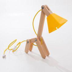 Luminária criada por Igor Hatanda Led Garage Lights, Garage Lighting, Wooden Lamp, Wooden Diy, Lamp Design, Wood Design, Light Art, Lamp Light, Wood Projects