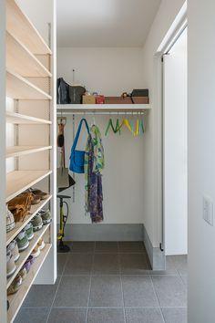 Shoe Room, Shoe Closet, Utility Room Storage, Modular Shelving, Master Closet, Small Space Living, Closet Organization, House Rooms, Interior Design Living Room