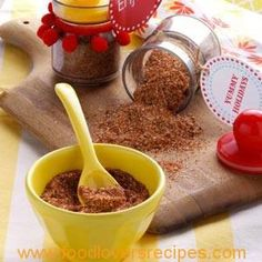 Paprika Dry Rub Recipe- Recipes A friend gave me the recipe for this delicious dry rub. I love the tongue-tingling punch it gives poultry. Homemade Spices, Homemade Seasonings, Homemade Gifts, Homemade Food, Ranch Dressing Recipe, Ranch Recipe, Spice Rub, Spice Mixes, Spice Blends