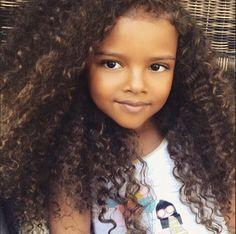 "curlyhairbeautiful: ""@dollface__keeike """