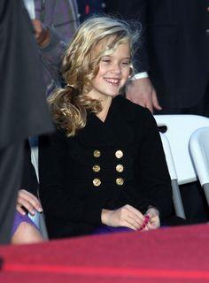 Ava Phillippe Medium Curls