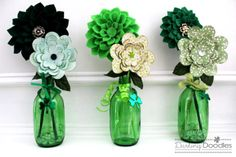 Patrick's Day Crafts and Decoration Everybody in Your Household Will Love St Patrick's Day Crafts, Holiday Crafts, Crafts For Kids, Diy Crafts, March Crafts, Holiday Ideas, Felt Flowers, Paper Flowers, Green Glass Bottles