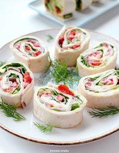 Tortilla z szynką Mini Appetizers, Appetizer Recipes, Snack Recipes, Party Finger Foods, Party Snacks, Polish Recipes, Appetisers, Tortellini, Food And Drink